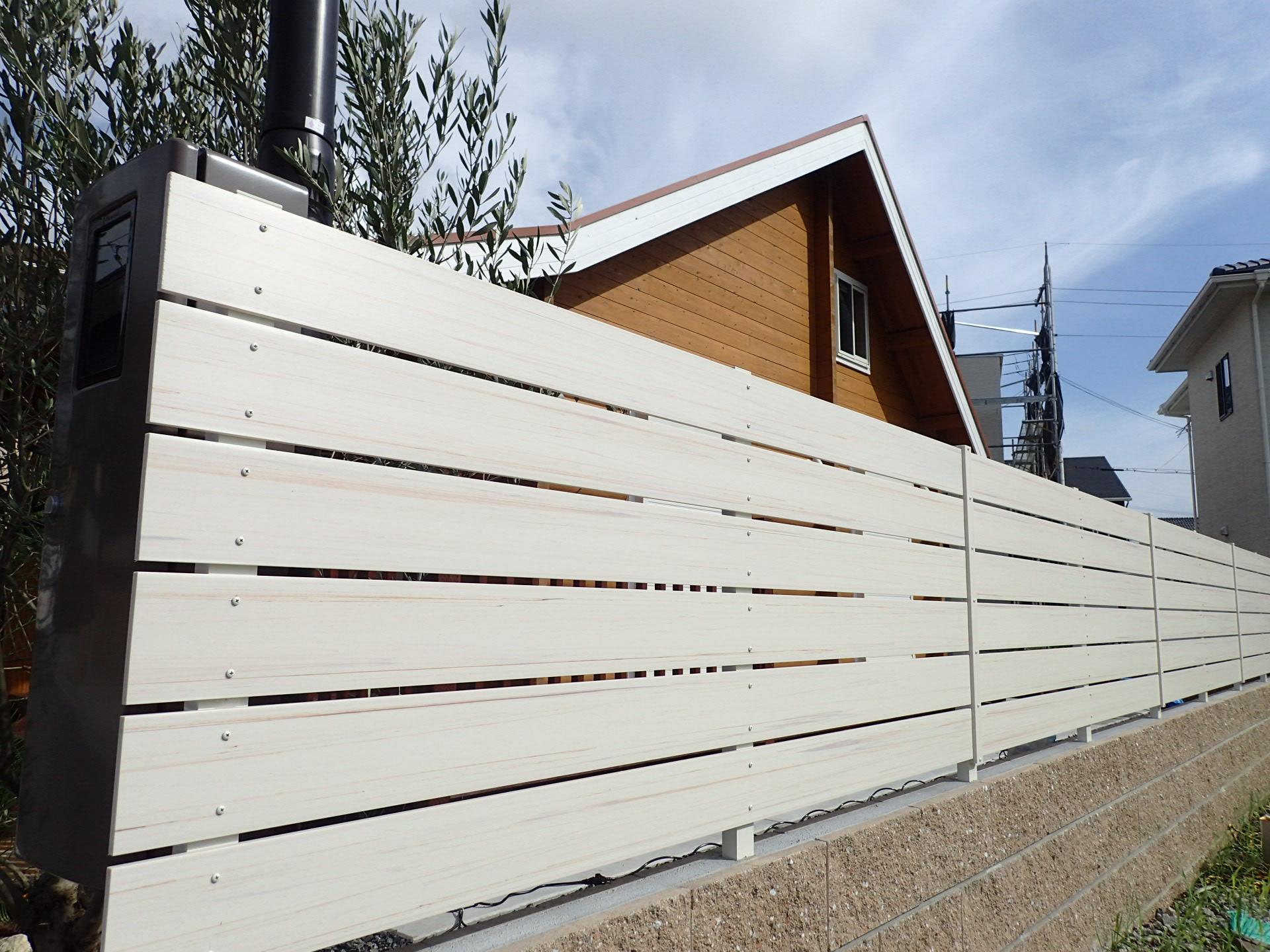 板塀風の樹脂フェンスが熱いです