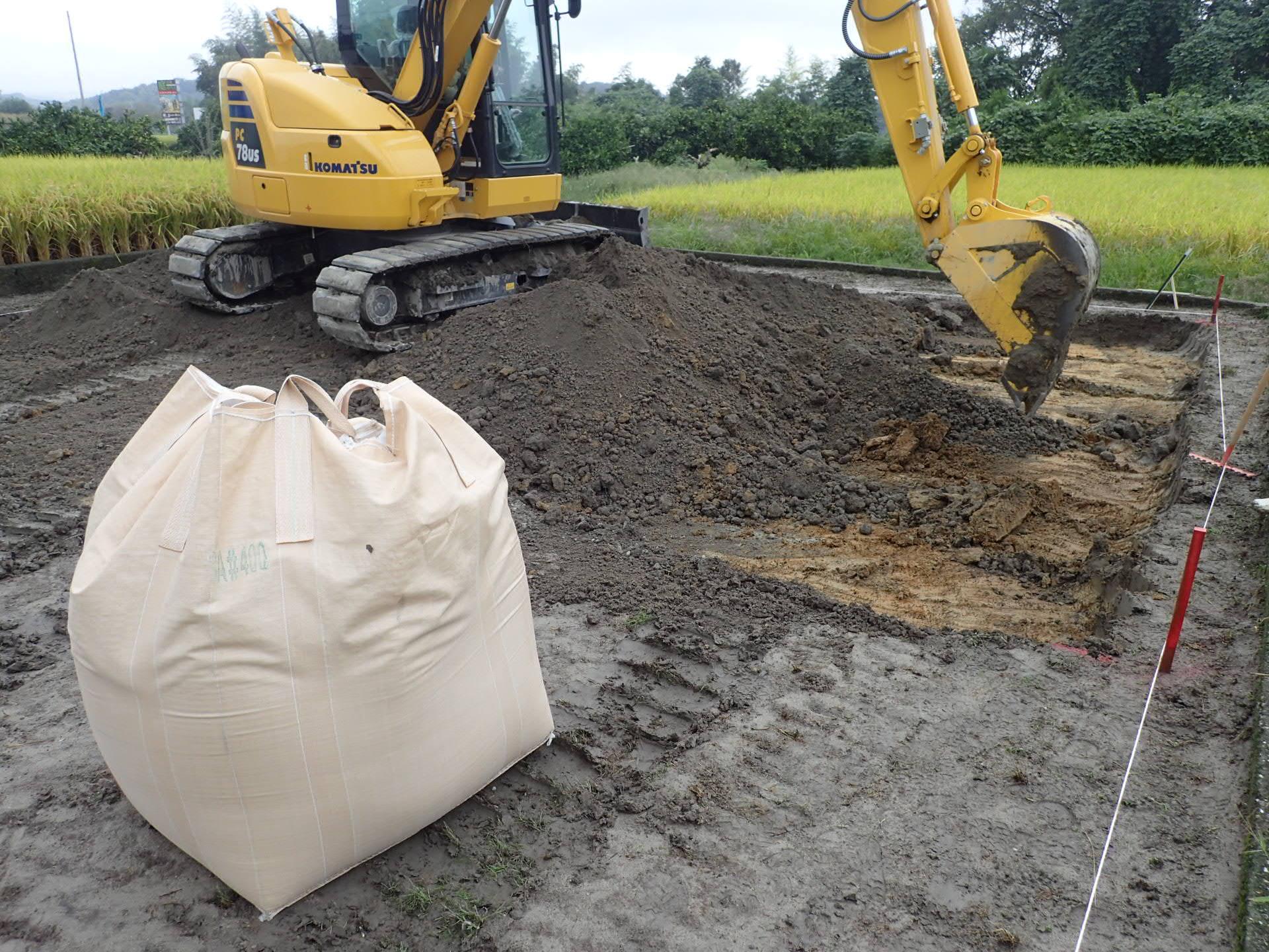 田んぼや地盤が緩い土地の地盤改良工事もやってます!