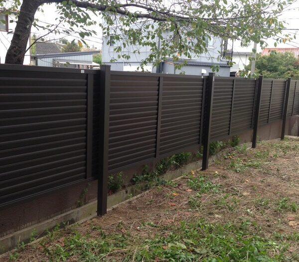 風通りのいい目隠しフェンスが完成!